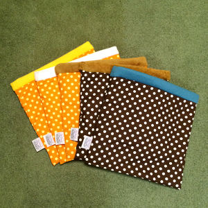 リバーシブル寝袋 28cm×28cm (全11柄) - Reversible Cuddle Sack (28cm * 28cm)/11 types