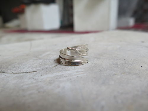 silver ring (feather)