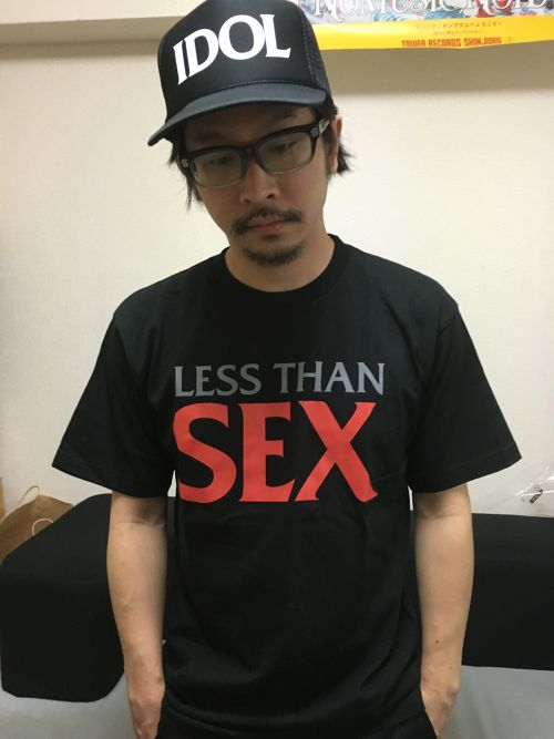 BiSHSEXTシャツ