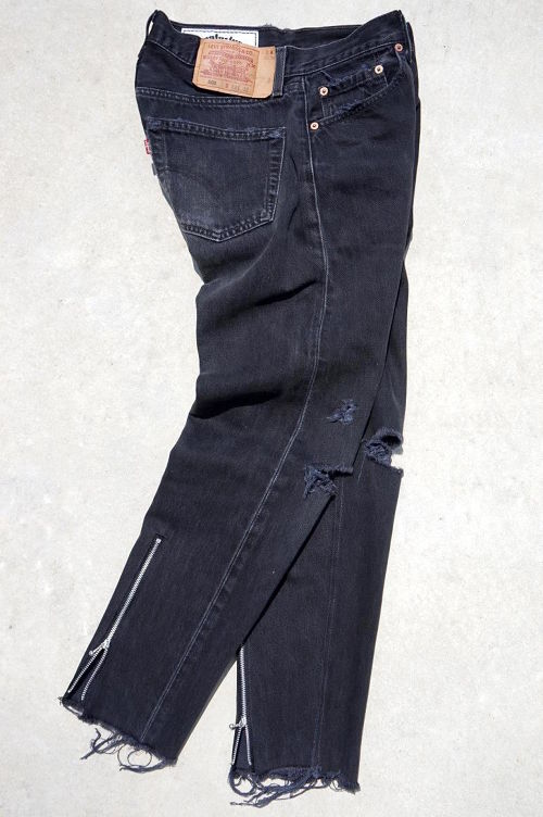 """ZIPPER BACK HEM JEANS"" 90's Levi's 501 BLACK size:W32"