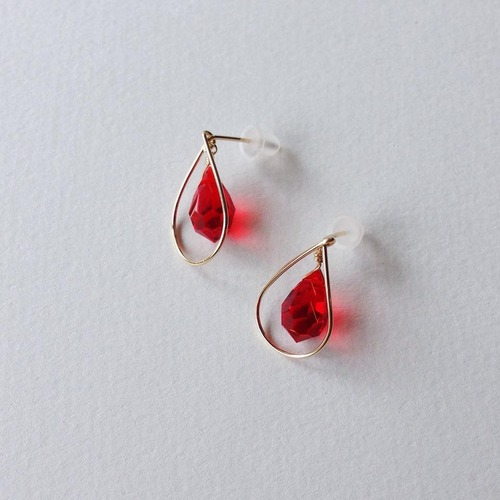 teardrop pierce(ruby color)
