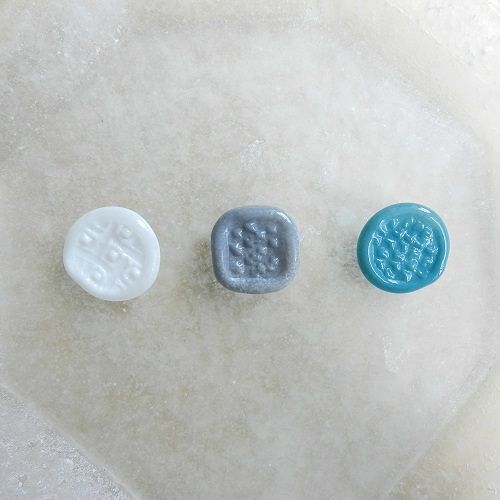 森谷和輝 stamp brooch (M)