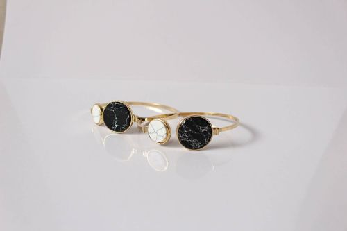 kuro-shiro bangle