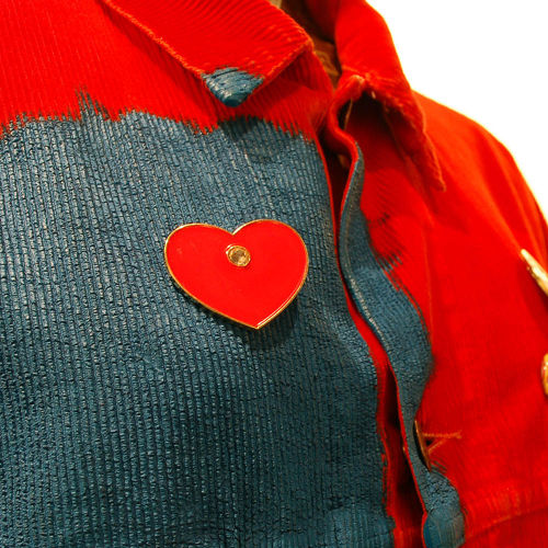 PATRICK KELLY HEART PIN