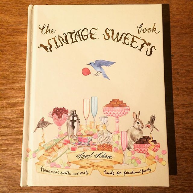 料理の本「The Vintage Sweets Book/Angel Adoree 」 - メイン画像