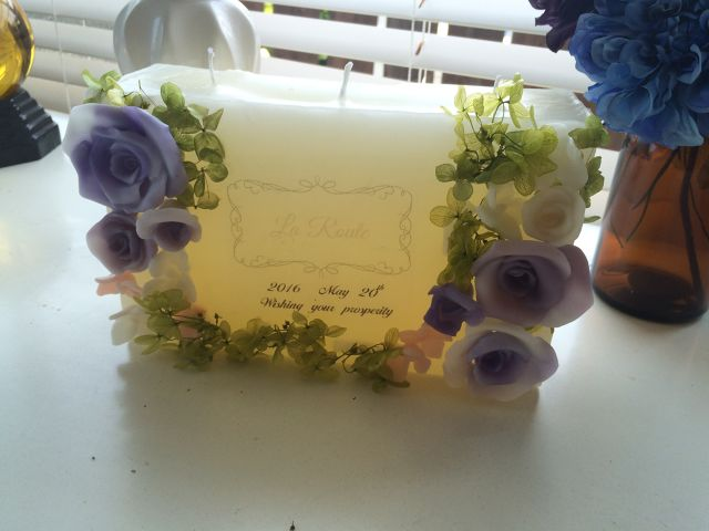 Rose green welcome board candle