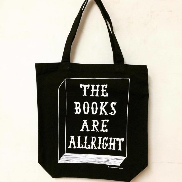 「THE BOOKS ARE ALLRIGHT トートバッグ」 ON READING × STOMACHACHE. - メイン画像