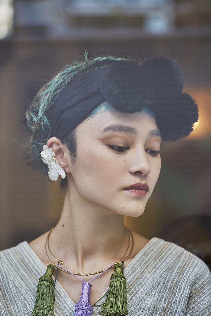ARRO / Embroidery Ear-clip / Wavy Pearl / IVORY