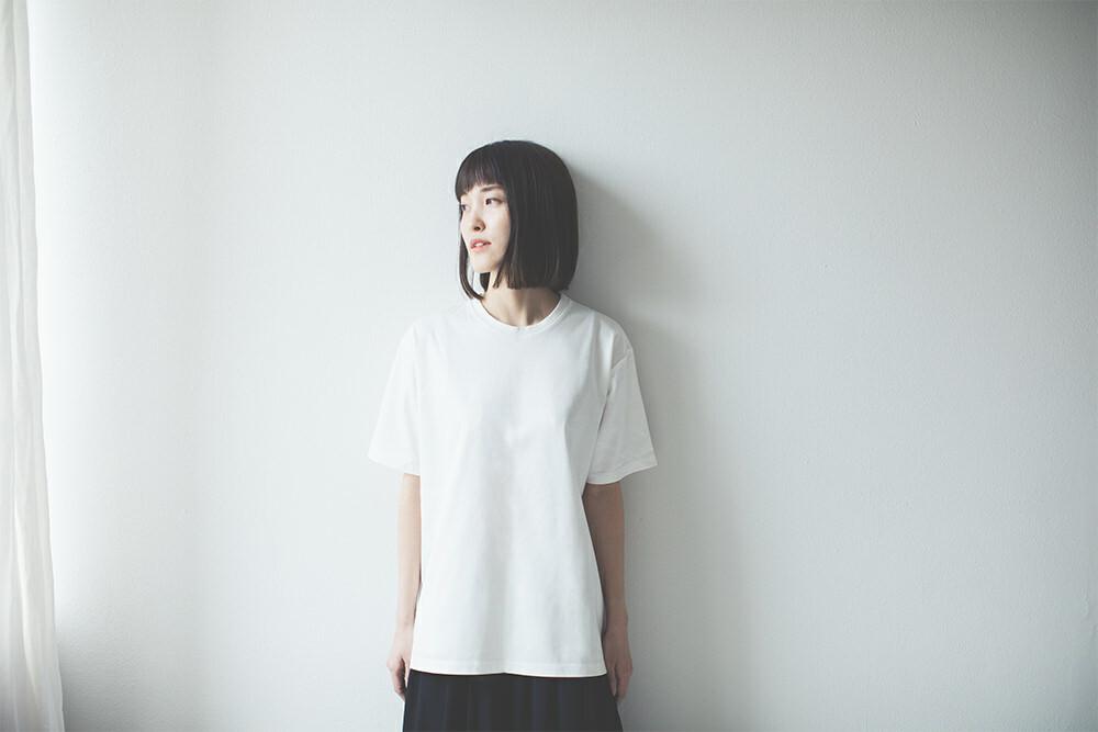 きちんとしたい日のクルーネックTシャツ