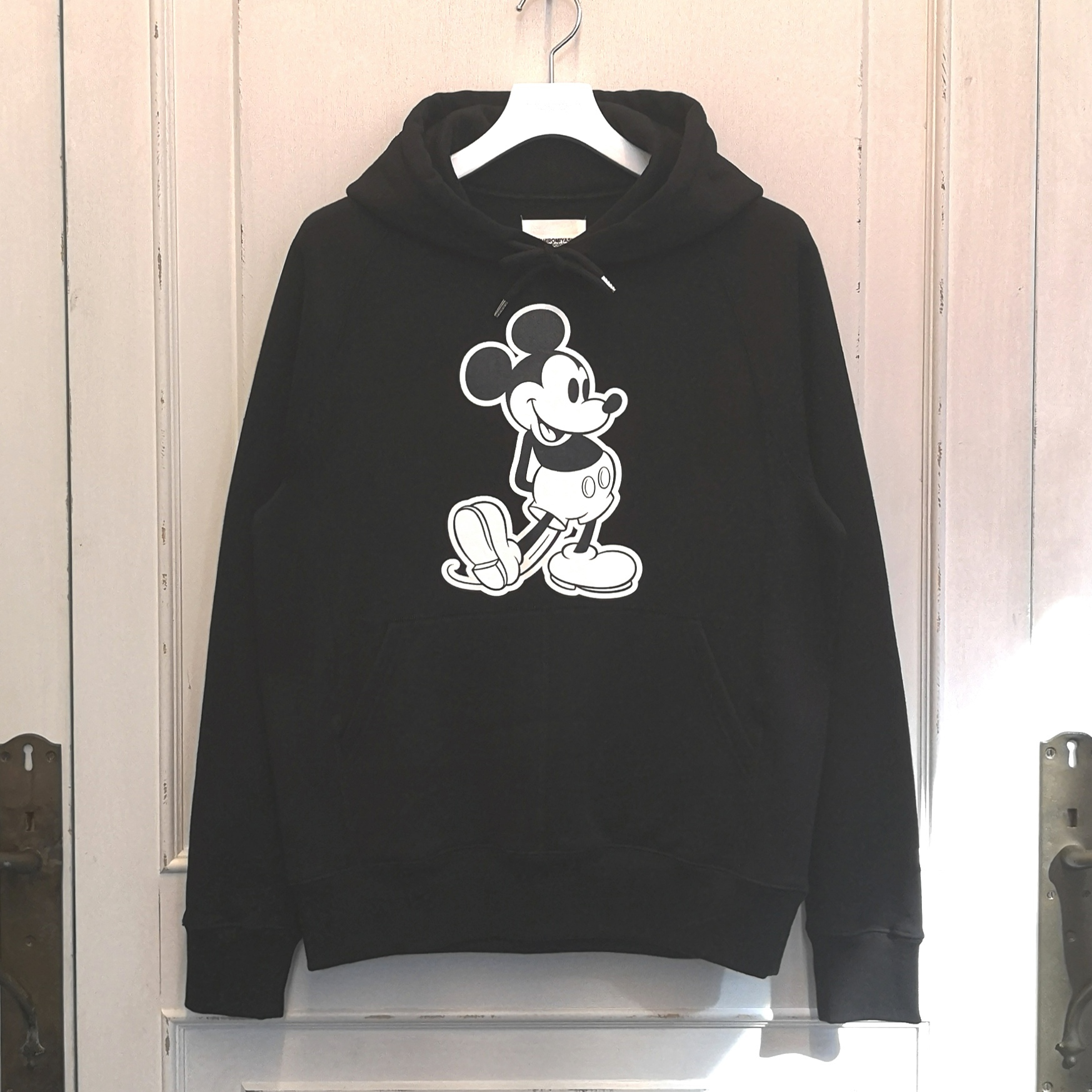 sc.0029bSS20 Mickey Mouse pullover hoodie.  (monotone color Mickey Mouse)