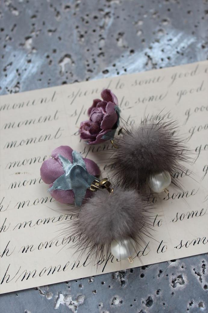 モーブピンクの薔薇、バックキャッチファーのイヤリング