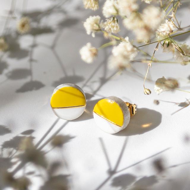 美濃焼 10mmプチサイズ ホワイト×ダンデライオン モダンシリーズ イヤリング&ピアス