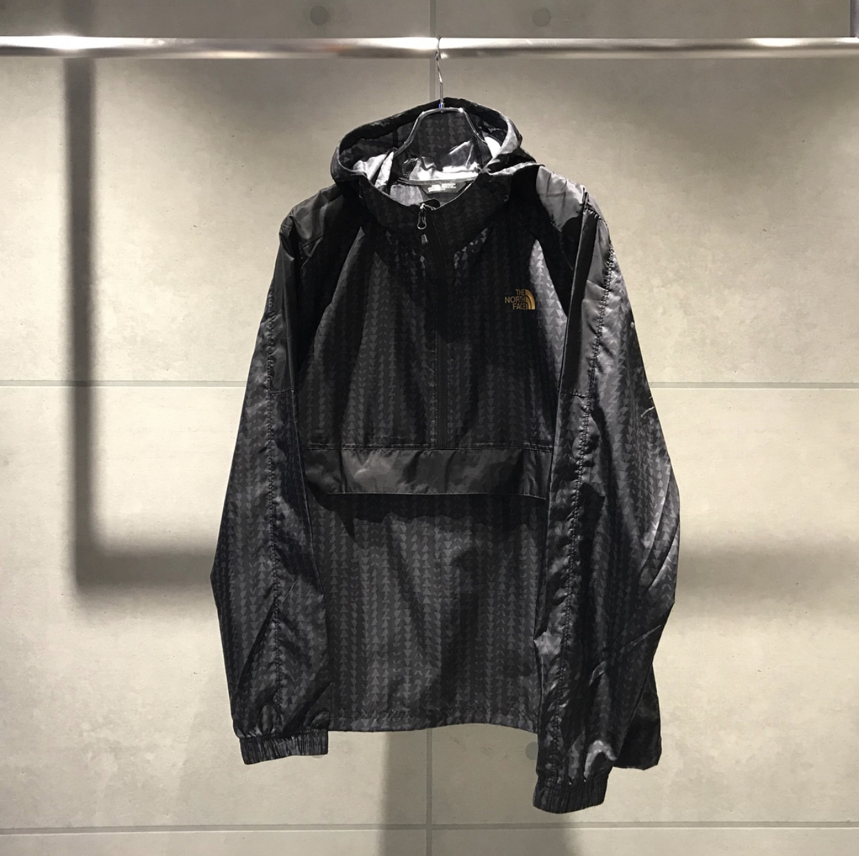THE NORTH FACE WIND ANORAK JKT / BLACK