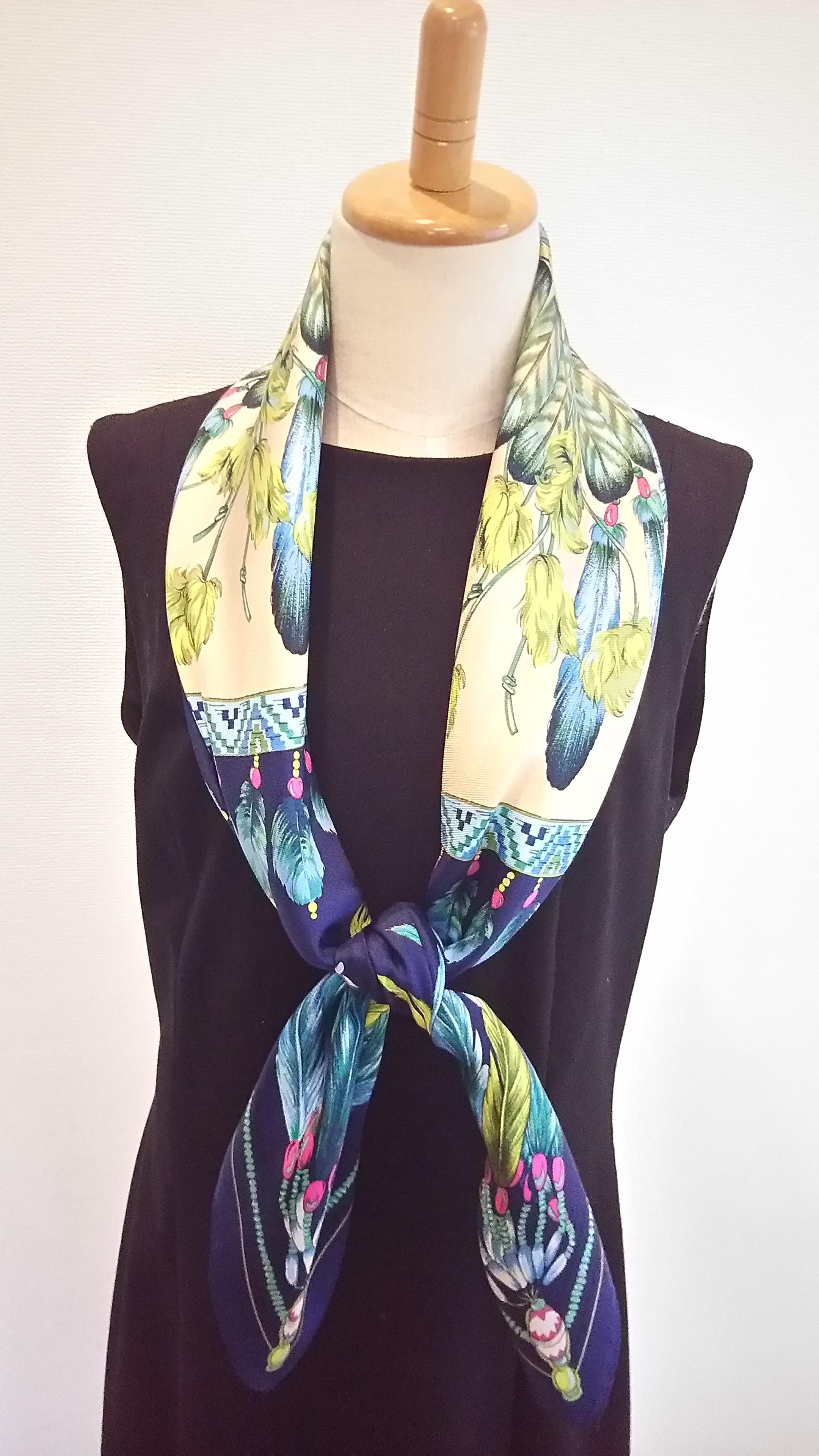 羽飾り ブルー スカーフ