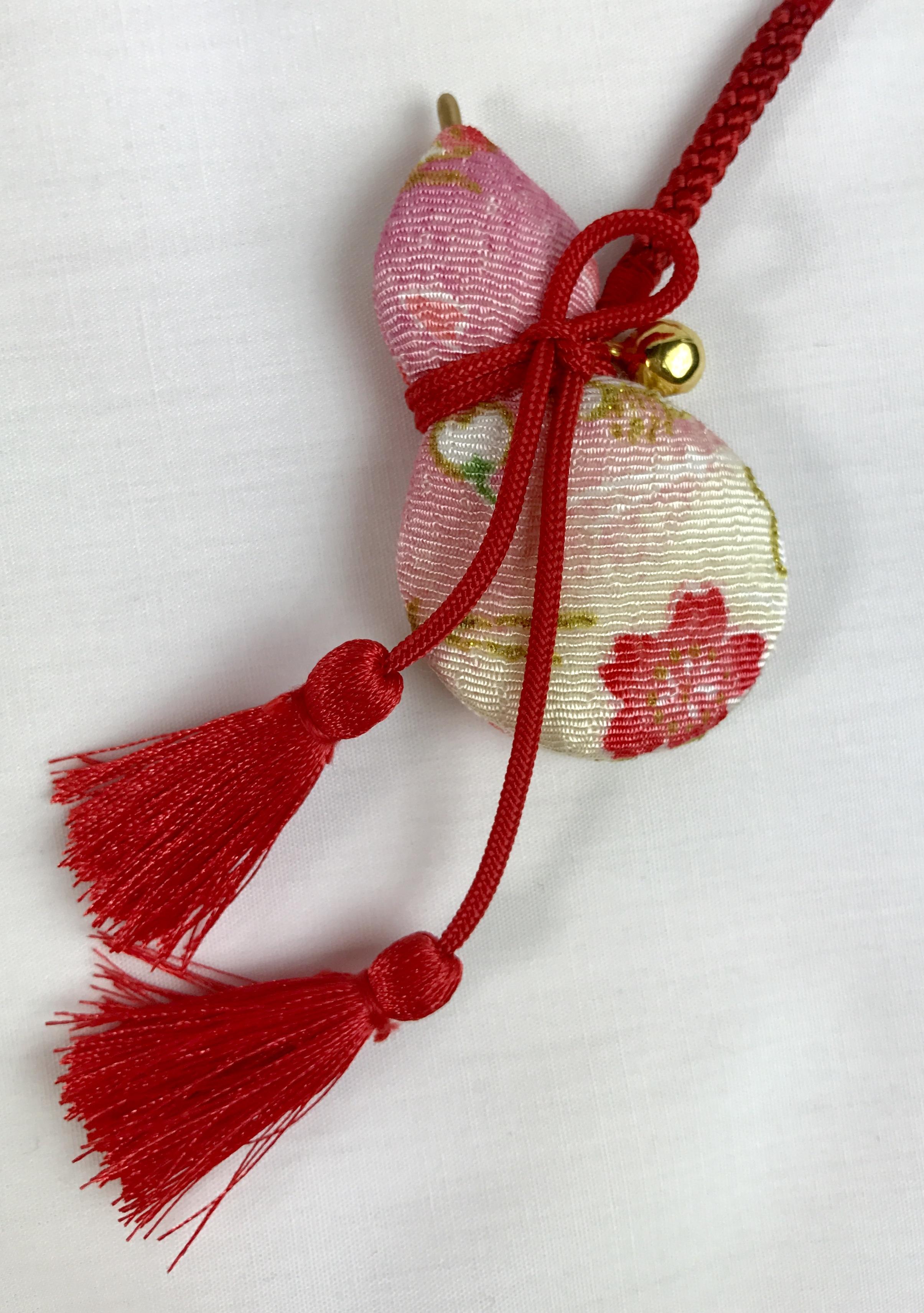 ひょうたん帯飾り根付