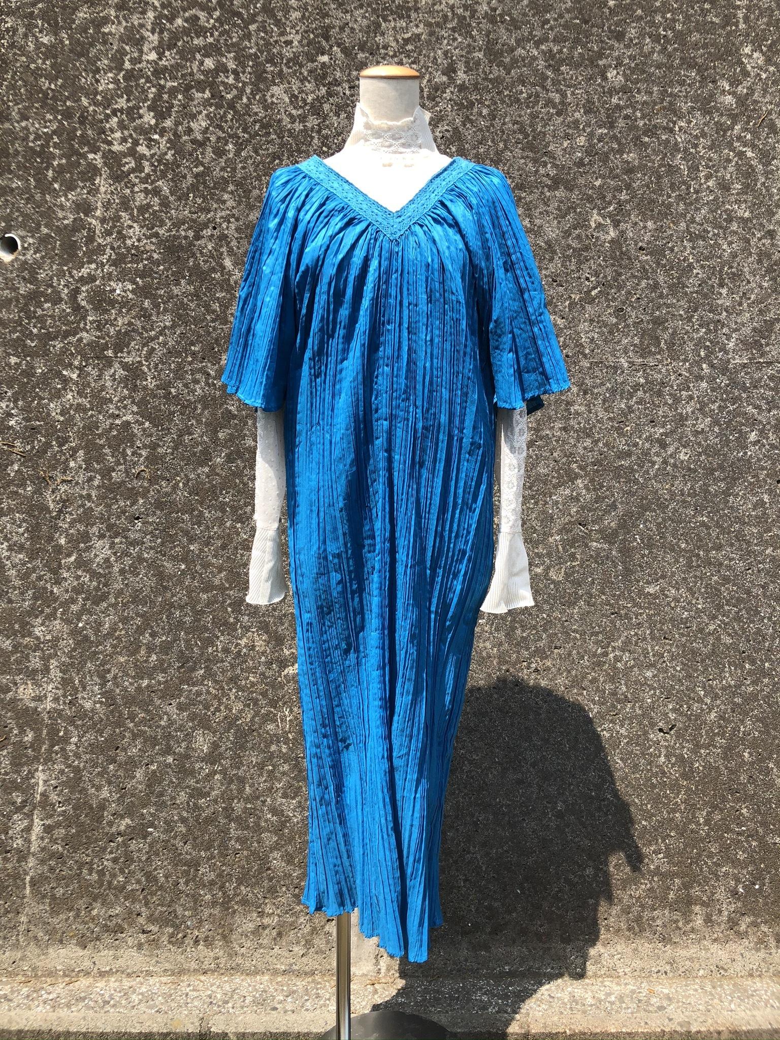blue flare sleeve pleated long dress