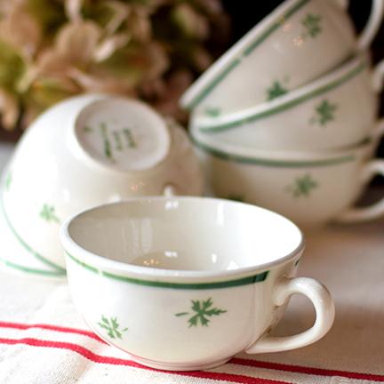 フランス みどり色の葉っぱ柄 ティーカップ