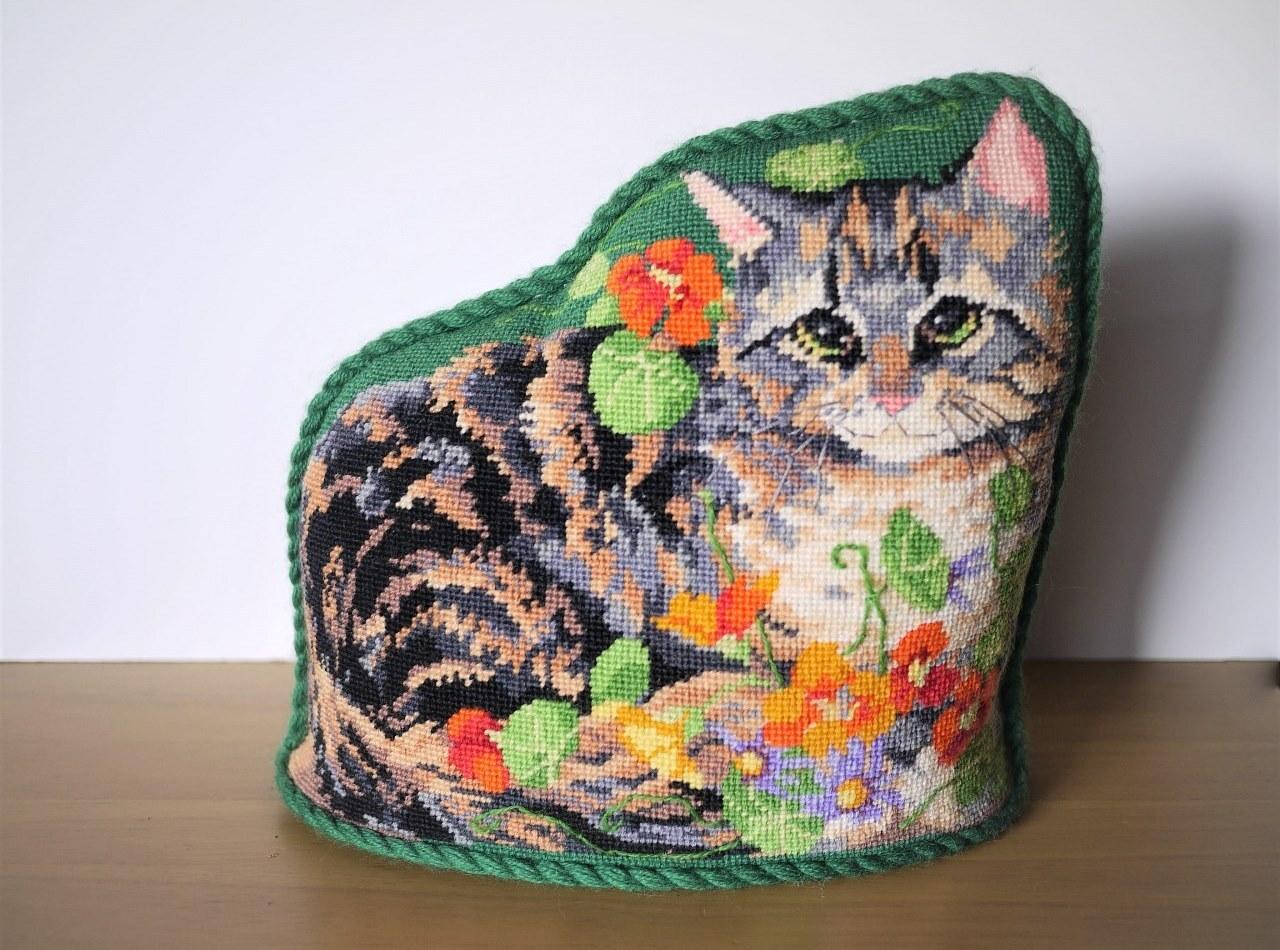 猫型クッション クロスステッチ刺繍 全面刺し