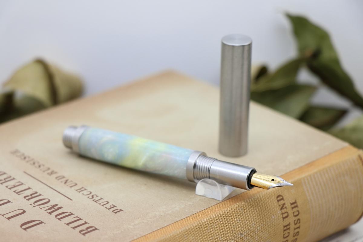 受注生産「ステンレス無垢 ショートタイプ万年筆 No45 パールオパール RSF」Viriditas手作りペン