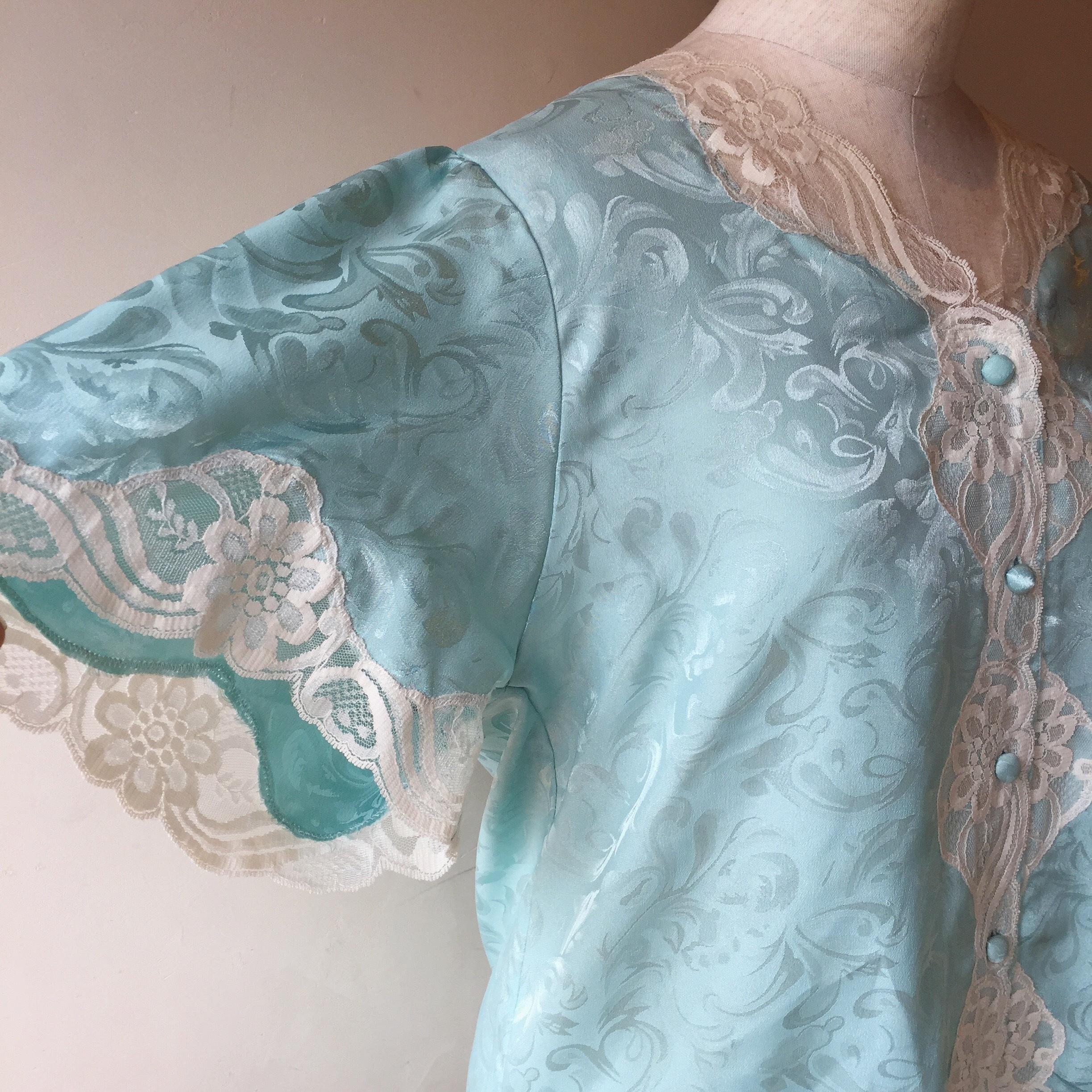 vintage lace tops