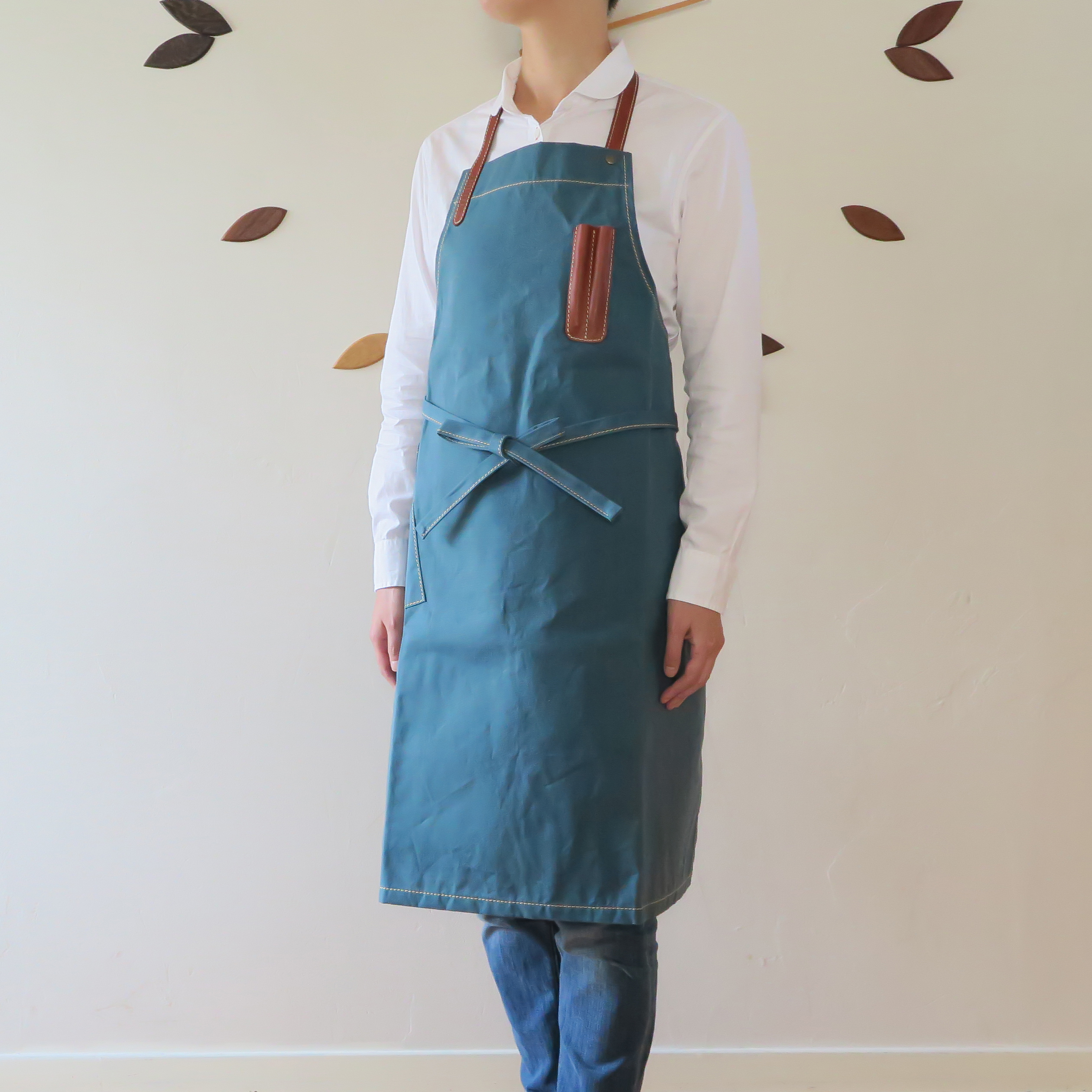Paraffin canvas apron  BLUE