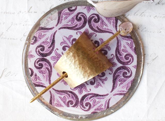 【一点物】原石ローズクォーツと真鍮の四角マジェステ