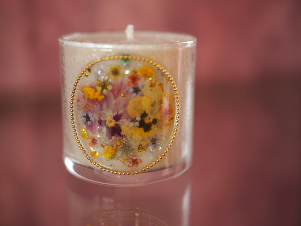 pressed  flowers  candle  4