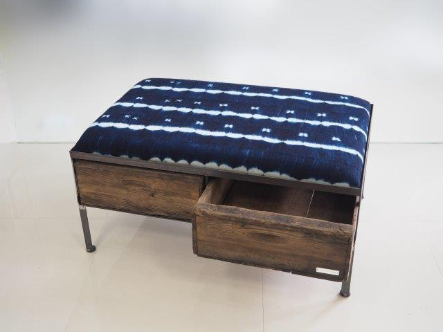 品番UAIW-111  2drawer ottoman[wide/African indigo batik tribal]