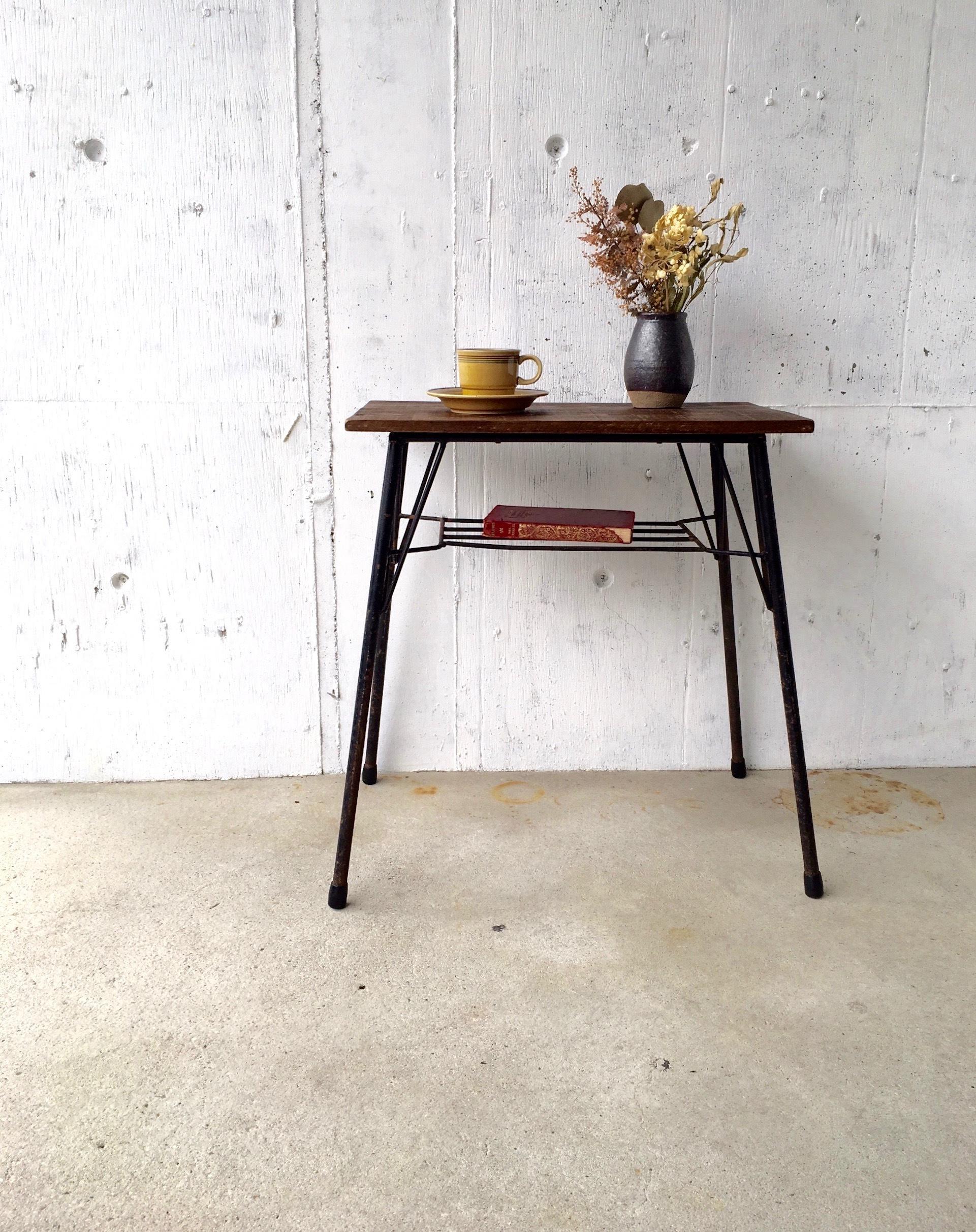 濃い木味×サビ脚のサイドテーブル[オリジナルリメイク]