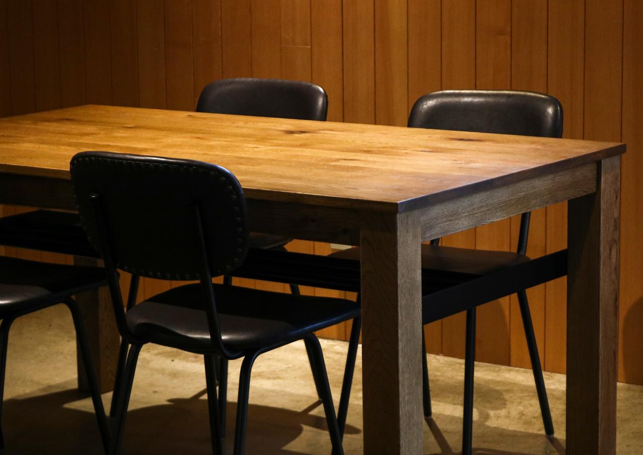 DECKER DINING TABLE[ 配送地域限定販売 ]
