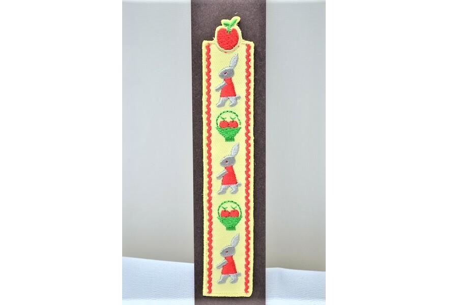 うさぎ刺繍ブックマーク