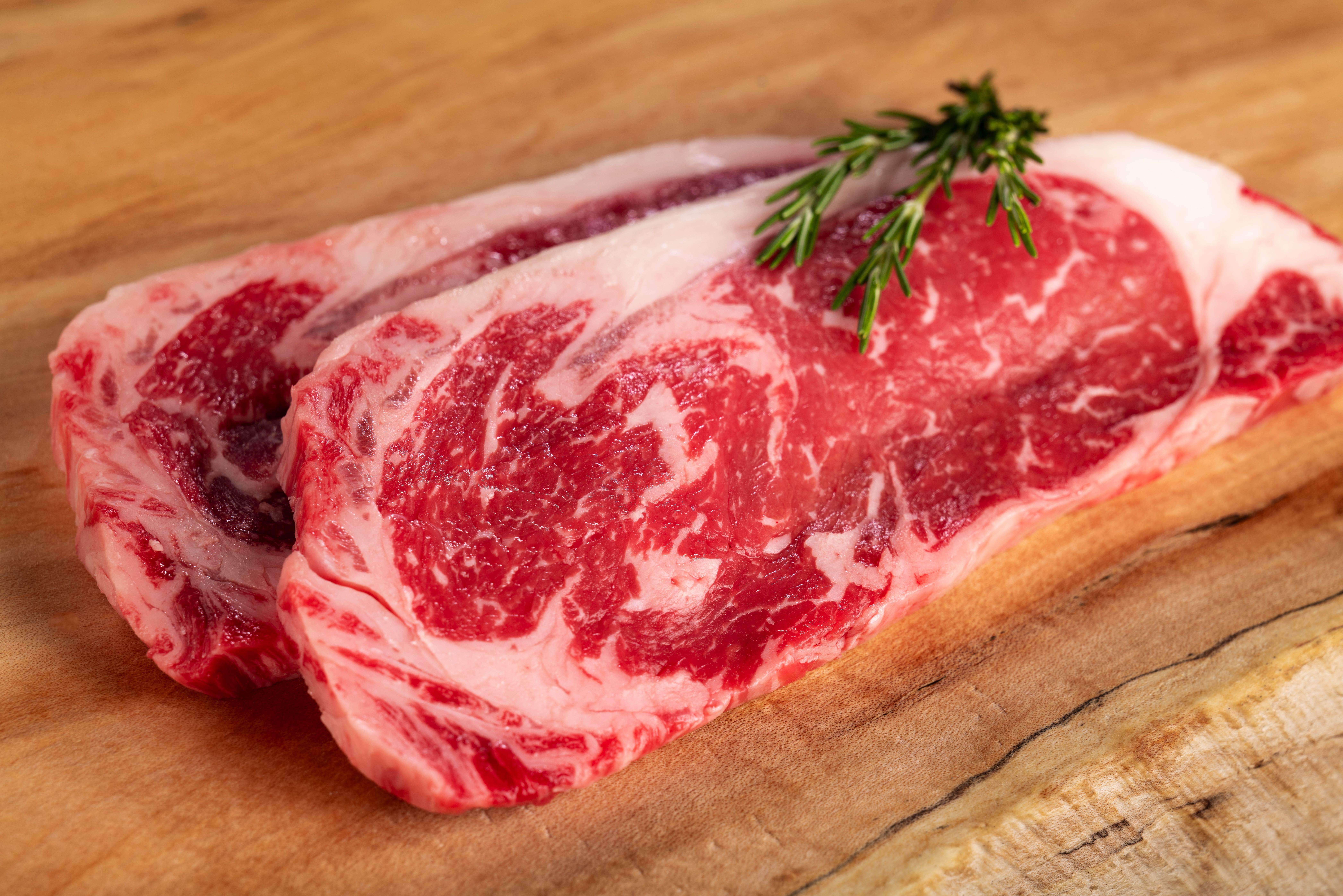 サーロインステーキ中サイズ200g(1~2人前) 山形村短角牛【ステーキ単品】