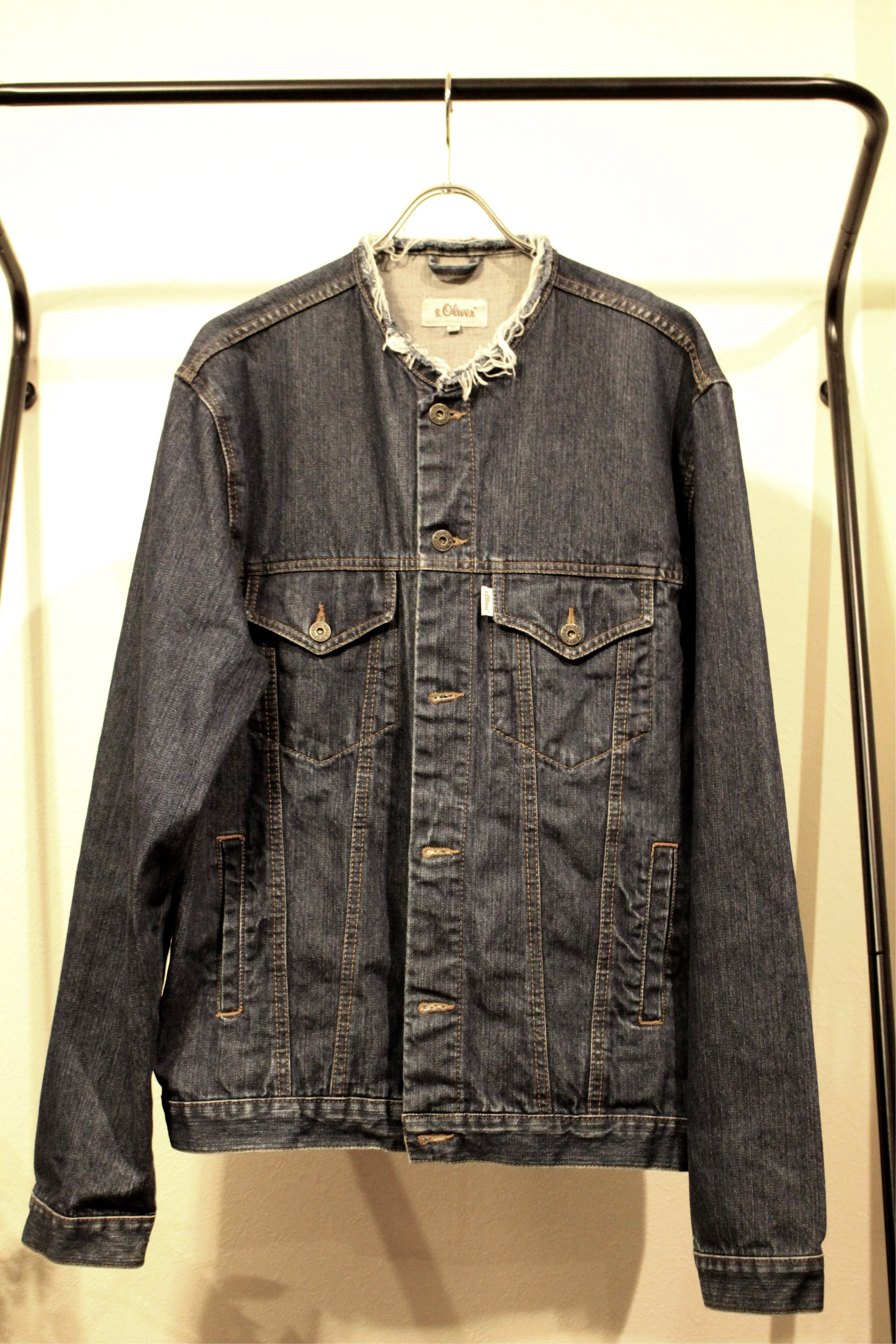 No collar denim jacket