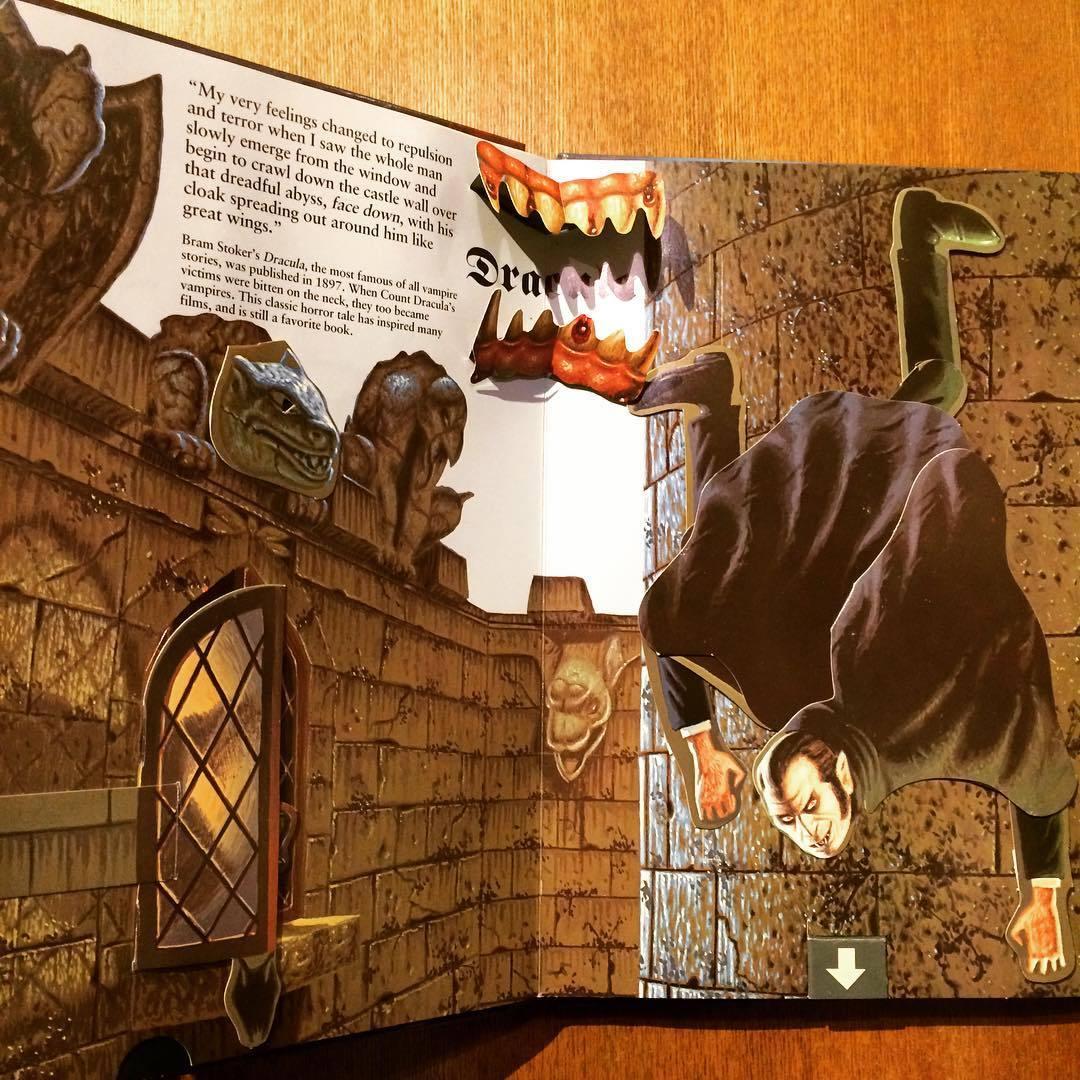 ポップアップ絵本「A Pull-the-Tab Pop-Up Book of Classic Tales of Horror/Terry Oakes」 - 画像3