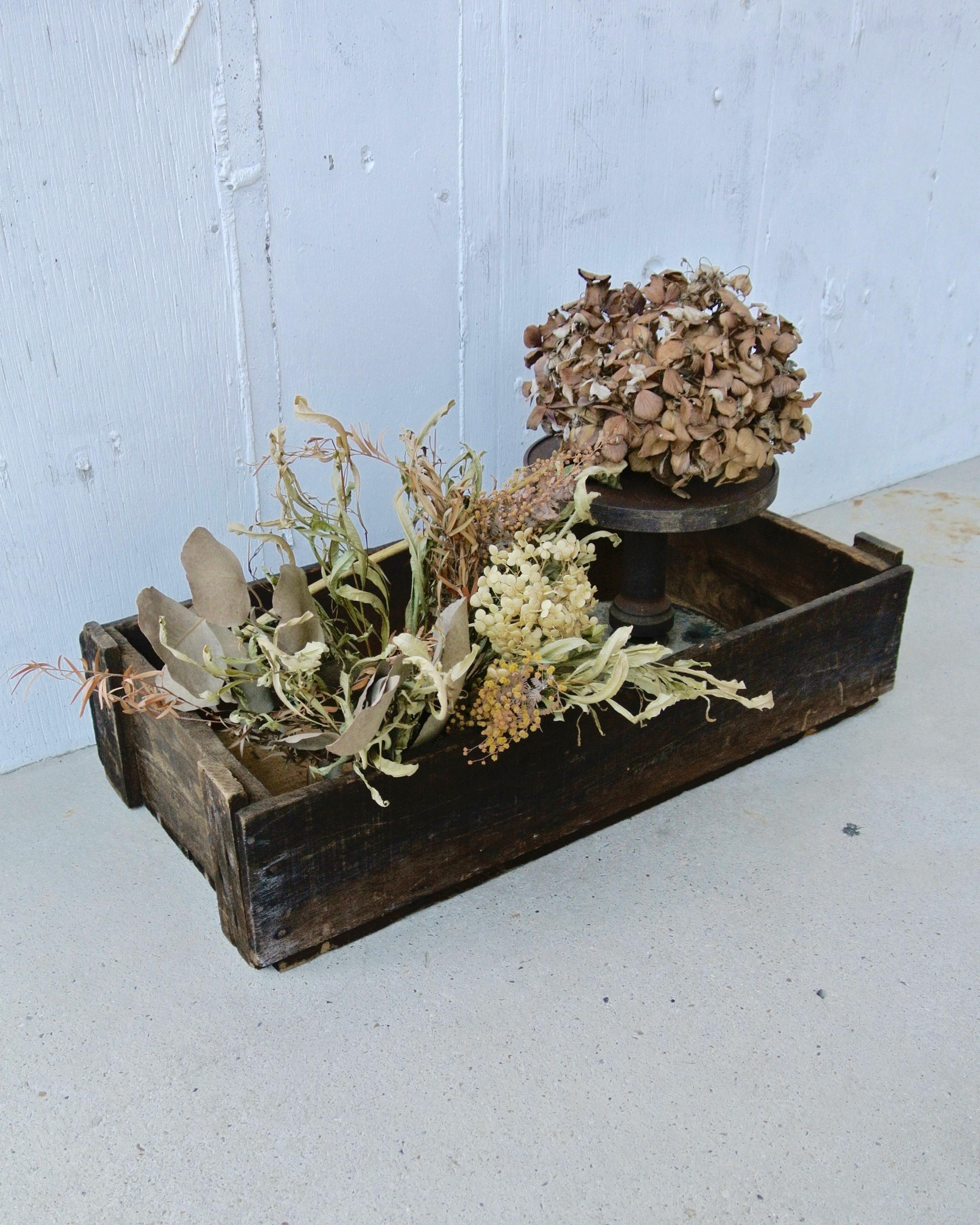 ジャンクな味のある木箱[古道具]