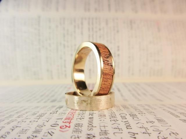 木と真鍮の指輪 ケヤキ 象嵌リング