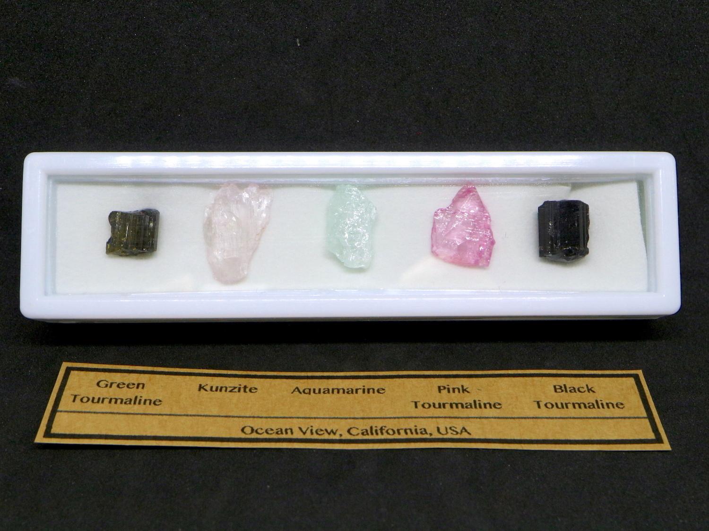 【鉱物標本セット】カリフォルニア産 原石セット #5 T093 ピンクトルマリン/クンツァイト/アクアマリン/グリーントルマリン/ブラックトルマリン