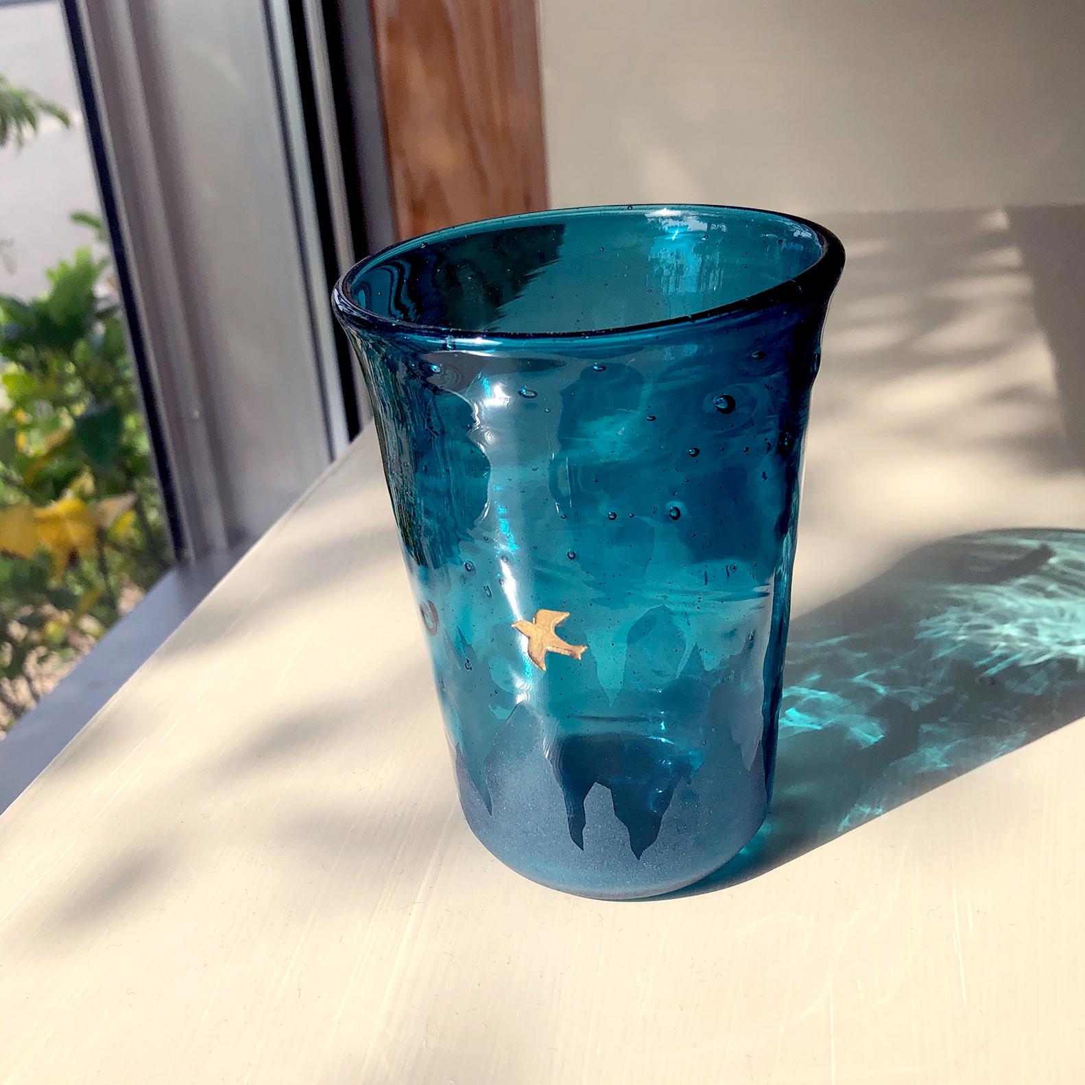 ある夜のグラス(ツバメ)紺
