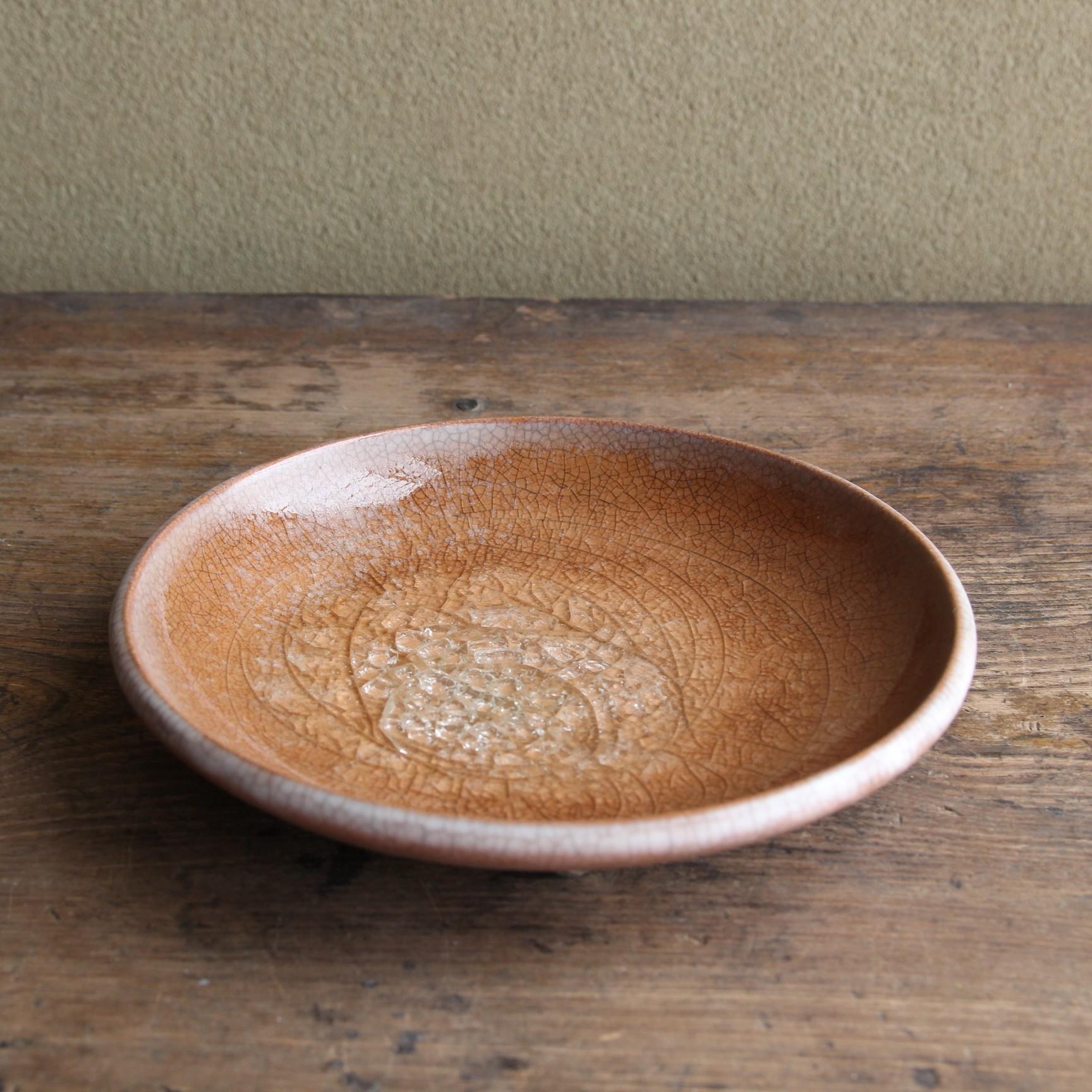 ビードロ  赤茶色の丸皿 道仙