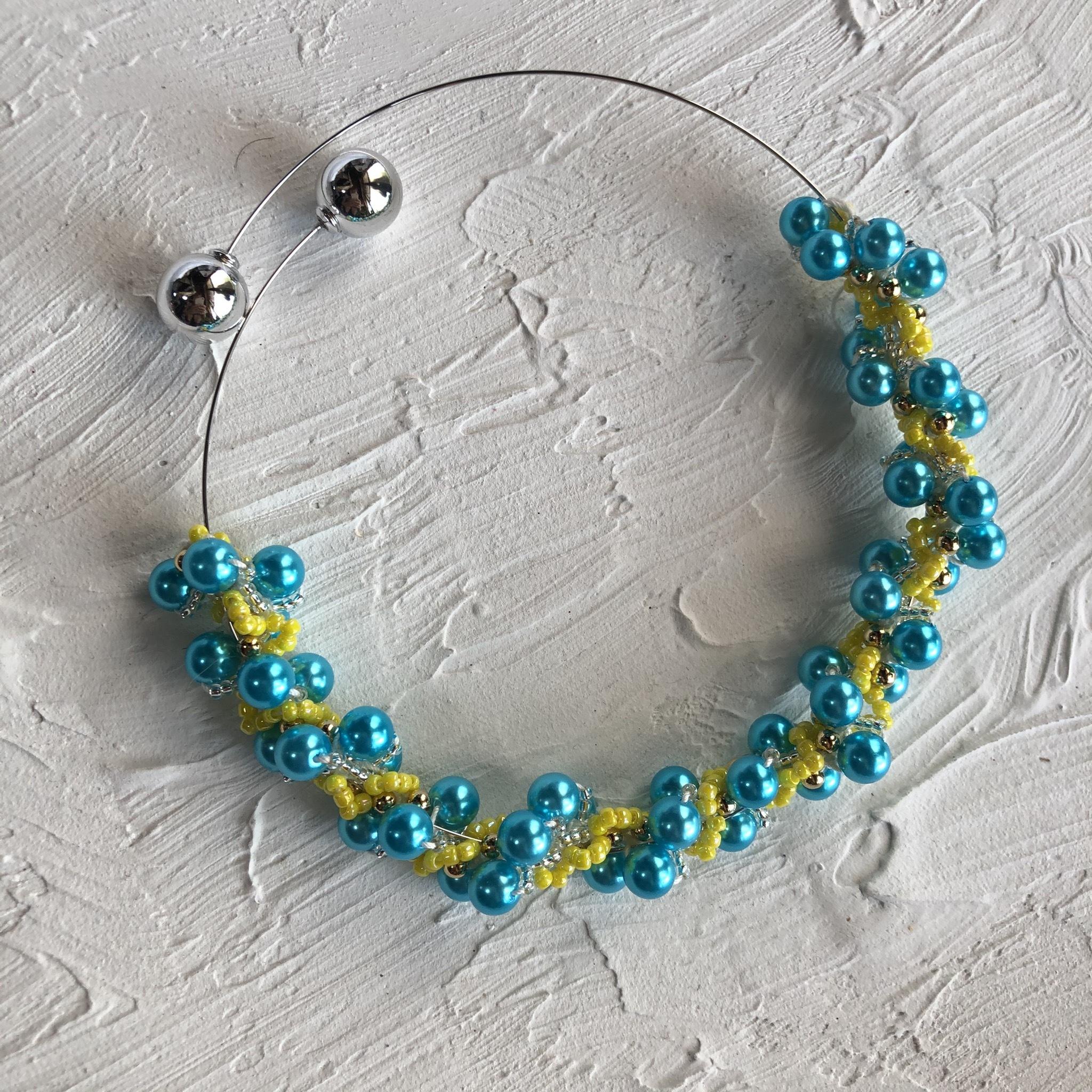 aK beads wire neckless 4 happy blue