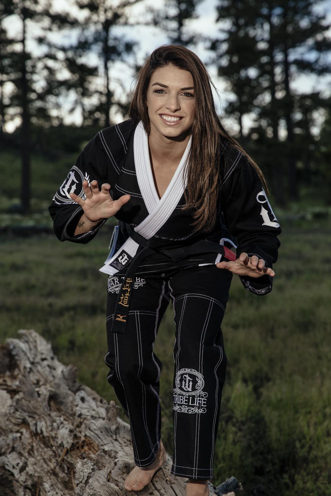WAR TRIBE GEAR LIONESS ブラック|女性用ブラジリアン柔術衣(柔術着)