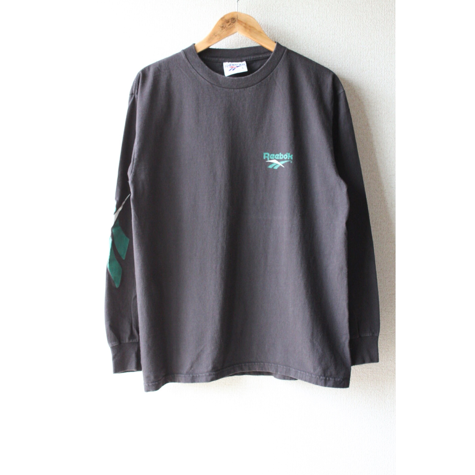 90s Reebok long sleeve shirt