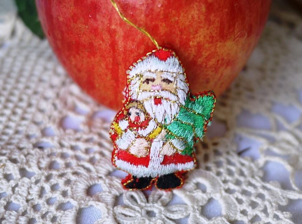 刺繍のサンタクロース ドイツクリスマス