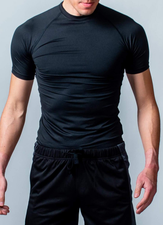 トレーニング時の動きをサポート「コンプレッションウェア(半袖)」 (ブラック)