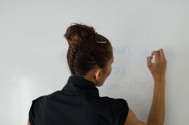 (一般)講師業務委託基本契約書+個別契約書サンプル