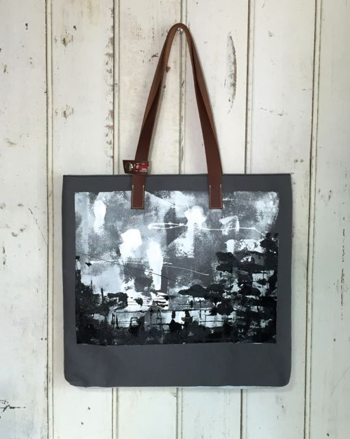 black canvas bag  / purple eagle