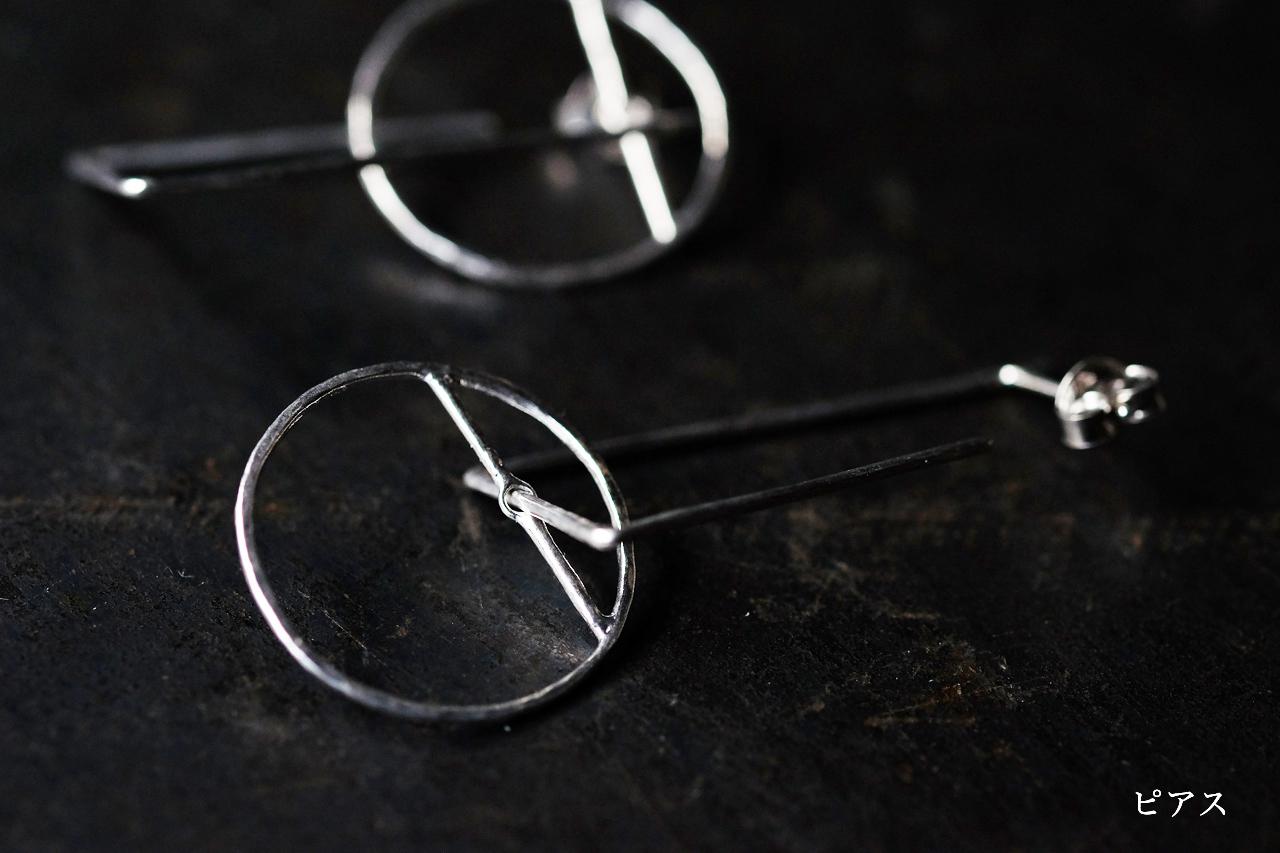 円と台形のピアスー前方後円墳 ー (silver)