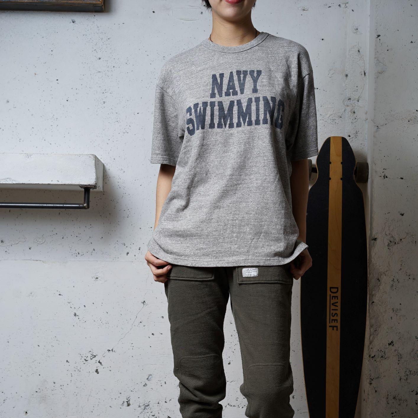 【おとな】吊り編み素材のワイドTシャツ グレーの染み込みプリント