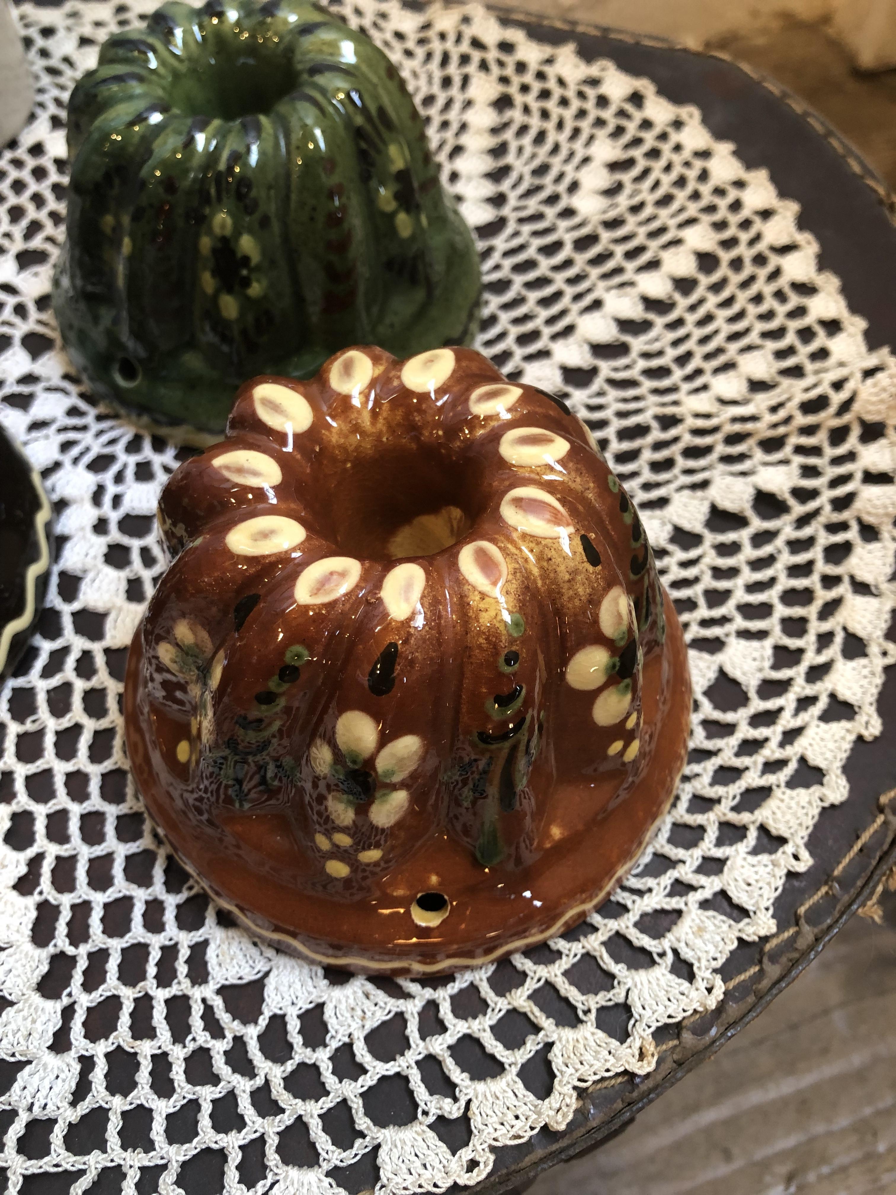 フランスアルザス地方 陶器のクグロフ型 ブラウンSサイズ