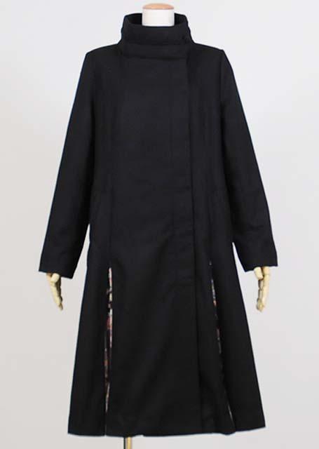 gouk ハイネックの月下美人刺繍入りコート 黒 GGD26-C022 BK/M